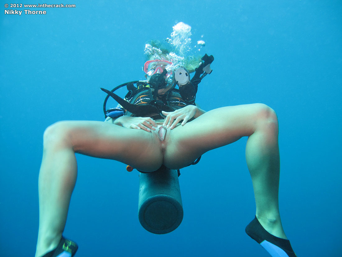 Sexy free diving in the nude, porno kabins in prague